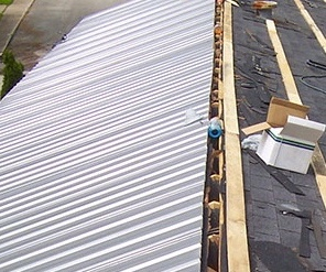 Metal Roof Replacement Contractors